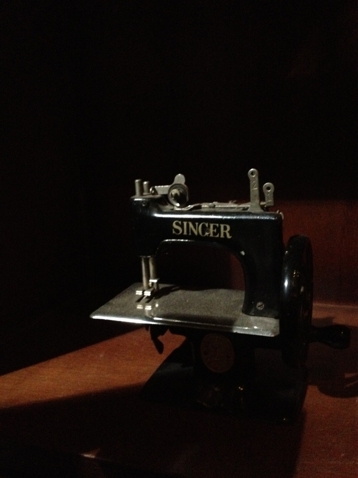 shirt bar mini singer sewing machine